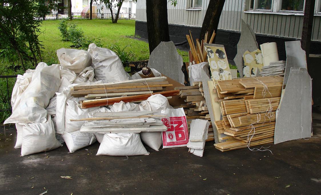 В курском комитете ЖКХ пояснили, надо ли платить за вывоз строительного мусора